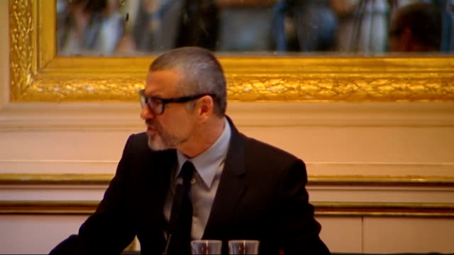 vidéos et rushes de george michael announces tour: press conference; george michael press conference sot - on whether he'd do the olympic ceremony, dates go up to... - take that