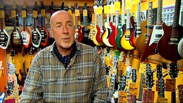 guitarist bert weedon dies aged 91; england: london: ron smith interview sot **music overlaid sot** 'play in a day' book by bert weedon on stool with... - stool stock videos & royalty-free footage