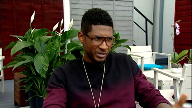 itunes festival 2012: usher interview; england: london: int usher 2-way interview sot cutaways general view of venue the roundhouse close shot names... - pavement点の映像素材/bロール