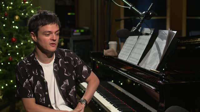 jamie cullum breaks record for world's biggest music lesson; england: london: jamie cullum interview sot - jamie cullum stock videos & royalty-free footage
