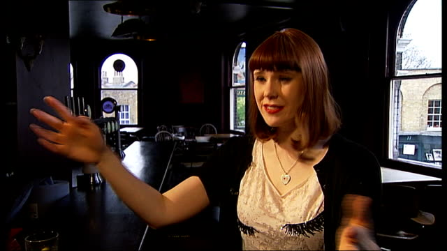 kate nash interview kate nash interview sot on success of her first album / feeling nervous at the brit awards / her new single / other songs on the... - kampf der geschlechter konzept stock-videos und b-roll-filmmaterial