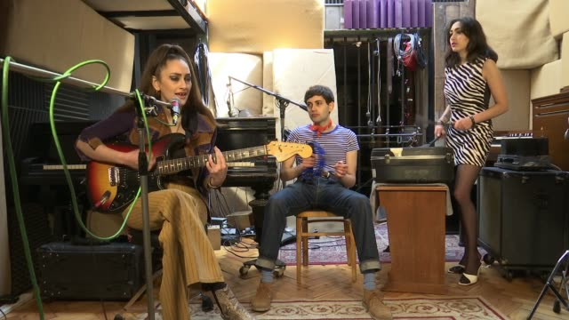 kitty daisy and lewis interview ***music close shot fingers along guitar fret various of kitty daisy and lewis rehearsing sot kitty durham interview... - fretboard stock videos and b-roll footage