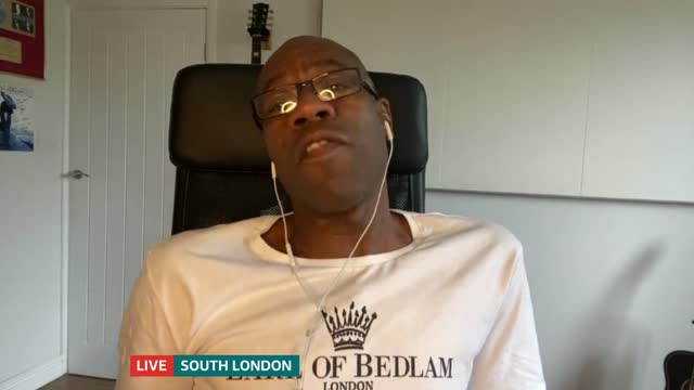 london community gospel choir start fundraising in fight to survive; england: london: gir / south london: / essex: int bazil meade and andrew... - ロンドン コミュニティ ゴスペル クワイア点の映像素材/bロール