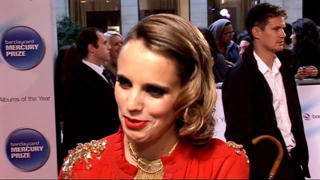 vídeos de stock, filmes e b-roll de mercury music awards 2011 arrivals and interviews anna calvi interview sot - calvi