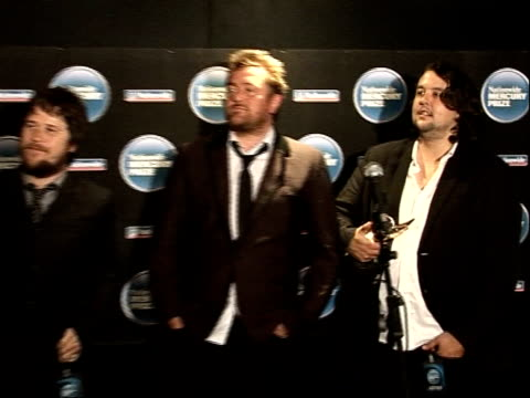 mercury music awards; pete turner press conference sot - on being able to hold his head up in front of neighbour damon gough guy garvey press... - mercury music prize stock-videos und b-roll-filmmaterial