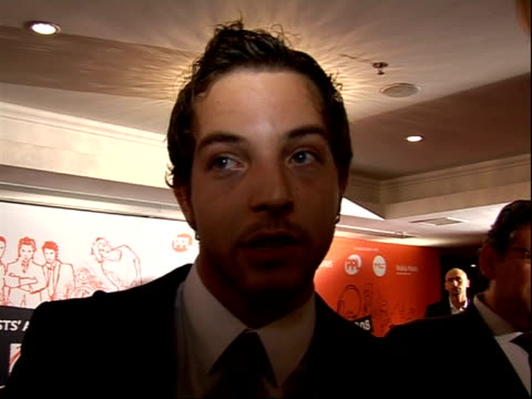 stockvideo's en b-roll-footage met music industry trust awards 2008 james morrison interview sot on lucian grainge changed life on touring next year yes big tour in europe and a little... - popmuziek tournee