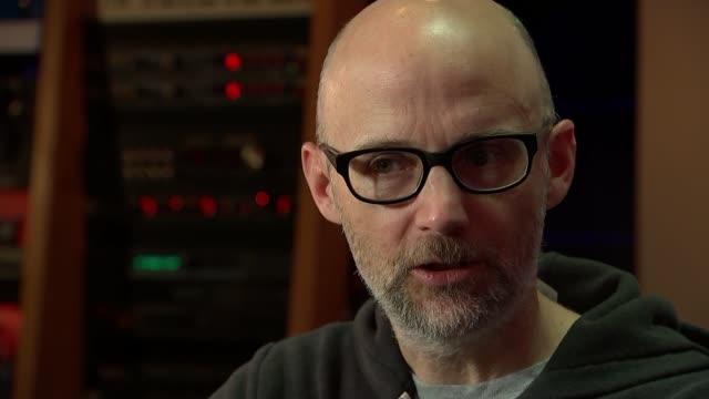 musician, producer and dj moby talks about his life after writing memoir; moby reporter moby interview sot cutaways reporter - モービー点の映像素材/bロール