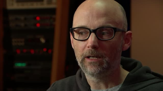 musician, producer and dj moby talks about his life after writing memoir; reporter asking question sot moby interview sot cutaways reporter - モービー点の映像素材/bロール
