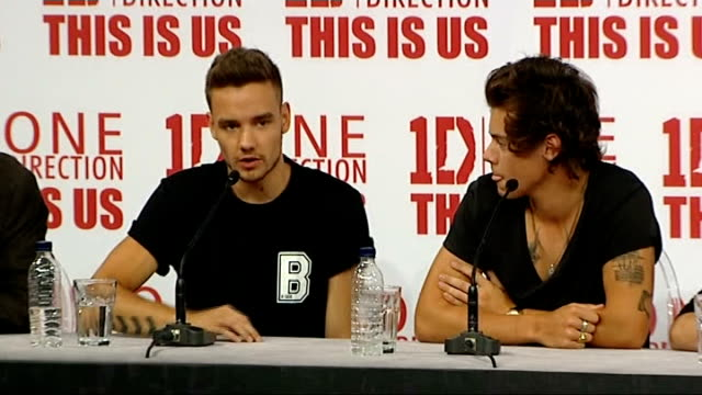 one direction press conference on their new film 'this is us' england london int liam payne 'this is us' press conference sot we do see some of crazy... - liam payne stock videos and b-roll footage