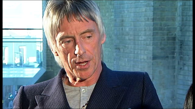 paul weller performs new album at the camden roundhouse camden roundhouse int paul weller interview sot talks about his new album the changes to his... - アルバムのタイトル点の映像素材/bロール