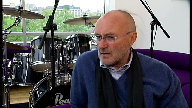 vídeos de stock, filmes e b-roll de phil collins releases new record; collins interview sot - on doing an album of covers ... - phil collins