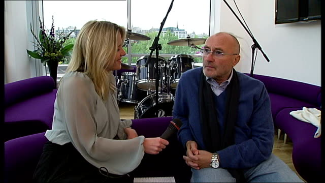 vídeos de stock, filmes e b-roll de phil collins releases new record; phil collins interview sot - on being born in chiswick, describes different places he's lived in and around london - phil collins