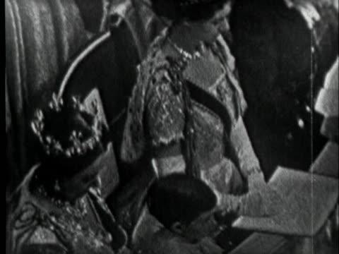 14+ Queen Elizabeth Coronation Video