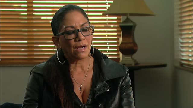 vídeos de stock, filmes e b-roll de prince death autopsy to determine cause of death sheila e interview sot - sheila e