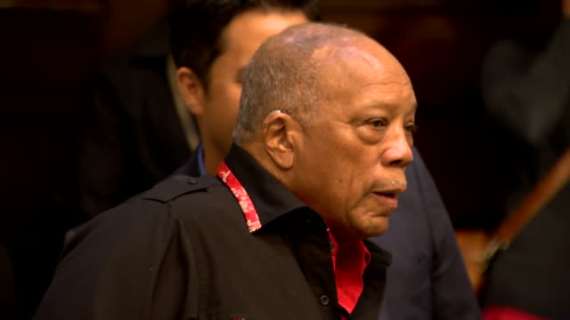 vídeos y material grabado en eventos de stock de music producer and composer quincy jones attending rehearsals for the bbc proms performance which will be performing his music - los bbc proms