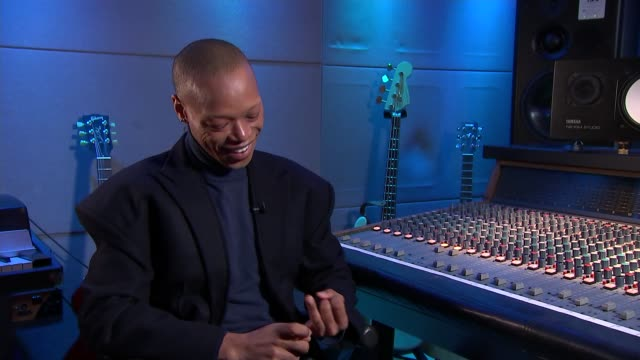 profile of singer and actor nakhane toure england int nakhane toure interview sot - キャシー・ニューマン点の映像素材/bロール