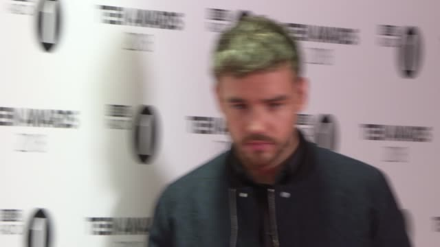 radio 1 teen awards red carpet interviews england london brent the sse arena wembley int jack jack chatting to press / liam payne posing for press /... - liam payne stock videos and b-roll footage
