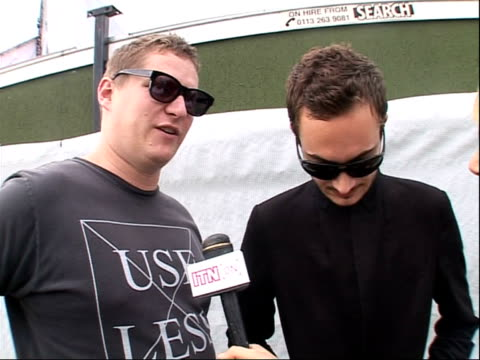 vídeos y material grabado en eventos de stock de reading festival 2008: band interviews; tom smith and russell leetch interview sot - on performing at reading festival / on people throwing things... - reading and leeds festivals