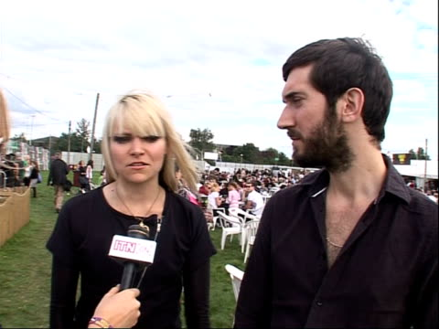 vídeos de stock, filmes e b-roll de reading festival 2008: interviews with bands; leila moss and toby butler interview sot - on performing at bestival and other future plans - carling weekend reading festival