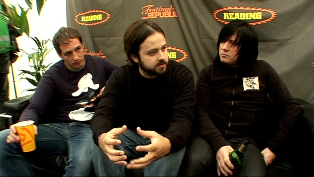 vídeos y material grabado en eventos de stock de reading festival 2009: funeral for a friend interview; funeral for a friend interview sot - how stereophonics, manic street preachers, super furry... - reading and leeds festivals