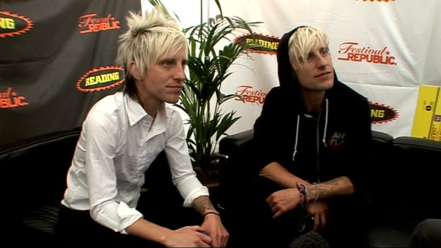 reading festival 2009: madina lake interview; england: berkshire: reading: int nathan and matthew leone interview sot - on how amazing playing at... - reading and leeds festivals stock videos & royalty-free footage