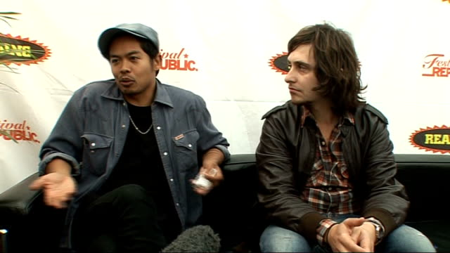 reading festival 2009: the temper trap interview; mandagi and sillitto interview sot - the music scene in australia / way more venues and festivals... - reading and leeds festivals stock videos & royalty-free footage