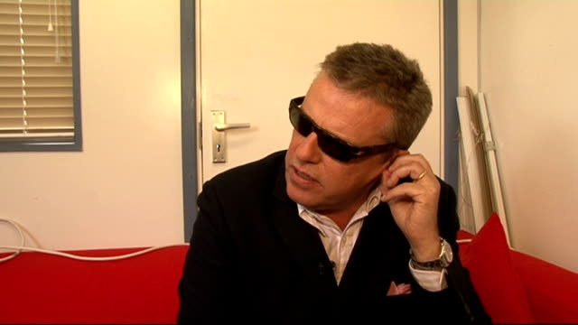 reading festival 2011 celebrity interviews england berkshire reading int suggs interview sot on reading festival / mixture of fans / creating their... - reading and leeds festivals stock videos & royalty-free footage