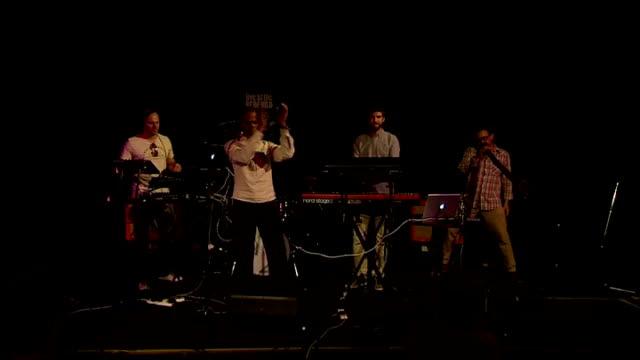 vídeos de stock, filmes e b-roll de rock the house competition; various of didgeridoo band didjitalis performing - rock moderno