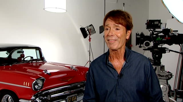 sir cliff richard celebrates one hundredth album release sir cliff richard interview sot - アルバムのタイトル点の映像素材/bロール