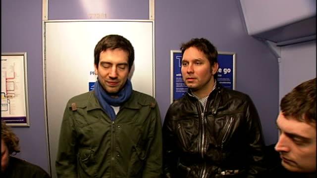 vídeos y material grabado en eventos de stock de snow patrol interview jonny quinn interviewed alongside other band members sot on their rise to success - snow patrol