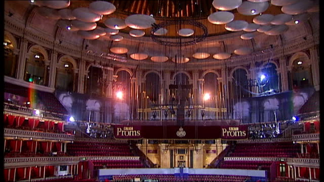 vídeos de stock, filmes e b-roll de the proms hip hop dj to perform with classical orchestra england london kensington overlay edward elgar pomp and circumstance** general view of royal... - royal albert hall