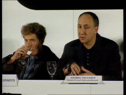 """""""the who"""""""" revival:; england: london: int cms roger daltrey and pete townshend at pkf as pete townshend comments sot -its wonderful that bob dylan... - roger daltrey stock videos & royalty-free footage"""