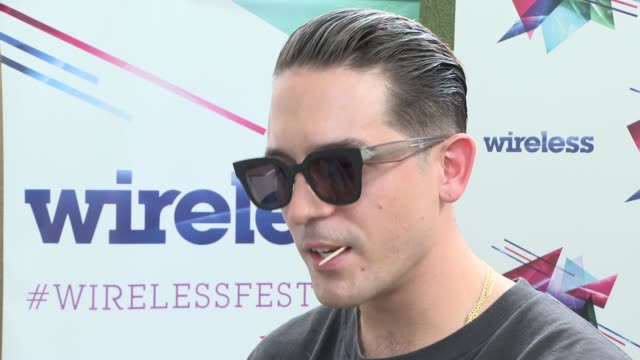 stockvideo's en b-roll-footage met wireless festival geazy and big narstie interviews england london finsbury park eazy interview sot jokes that next album called gerald / third time... - kinderporno