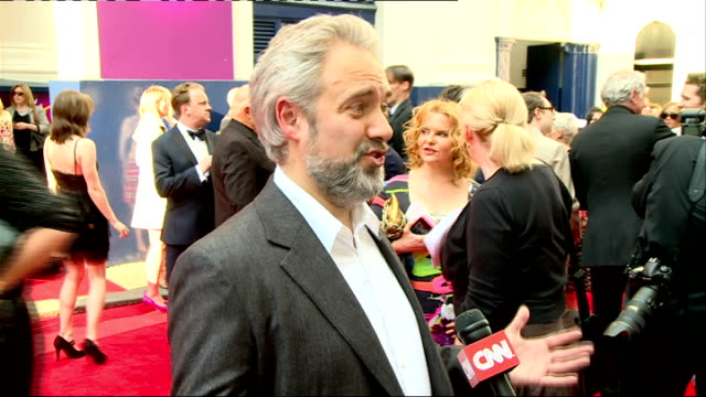 'charlie and the chocolate factory' theatre premiere arrivals and interviews comedian bill bailey interviewed on red carpet / sam mendes chatting... - sam mendes stock videos & royalty-free footage