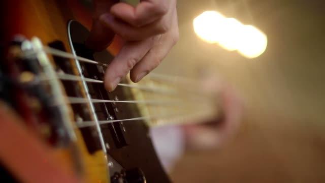 楽器 - ミュージックショップ点の映像素材/bロール