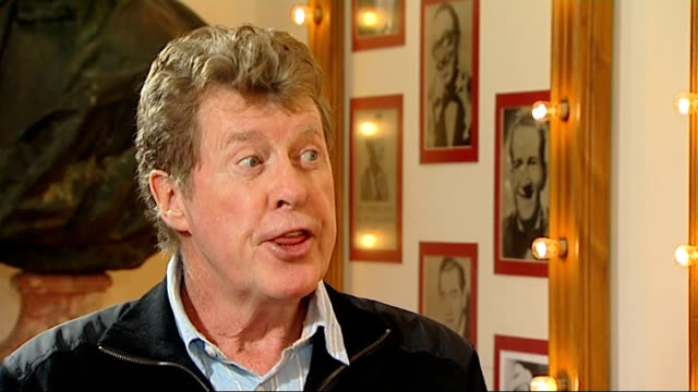 the wizard of oz at the london palladium; england: london: int michael crawford interview sot - on getting back into the swing of things after six... - michael crawford点の映像素材/bロール