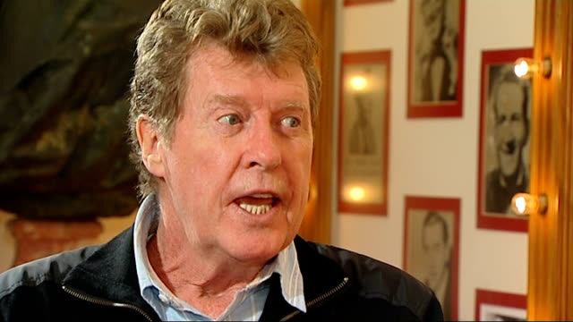 the wizard of oz: michael crawford interview; michael crawford interview sot - doing eight shows a week - will be gruelling / on danielle hope who... - michael crawford点の映像素材/bロール