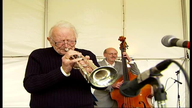 musician and radio presenter humphrey lyttelton dies; tx 16.9.2007 england: berkshire: eton: eton college: ext humphrey lyttelton and his band... - humphrey lyttelton stock videos & royalty-free footage