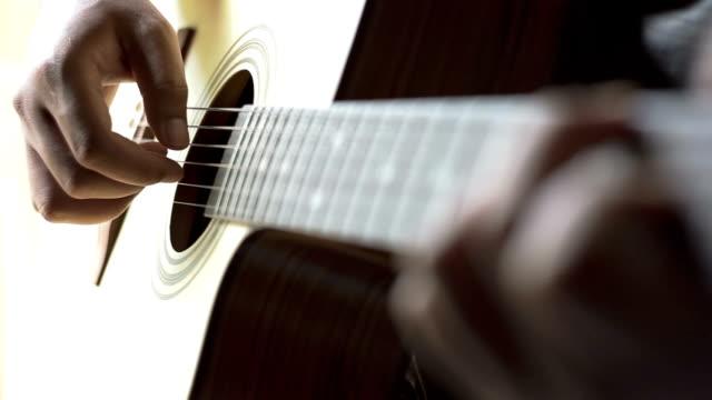 音楽家がギター - ギタリスト点の映像素材/bロール