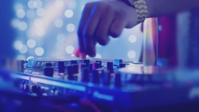 vídeos de stock, filmes e b-roll de músico - dance music