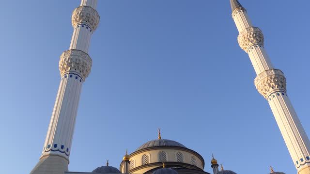 muslims are praying with coronavirus precautions - mosque stock videos & royalty-free footage