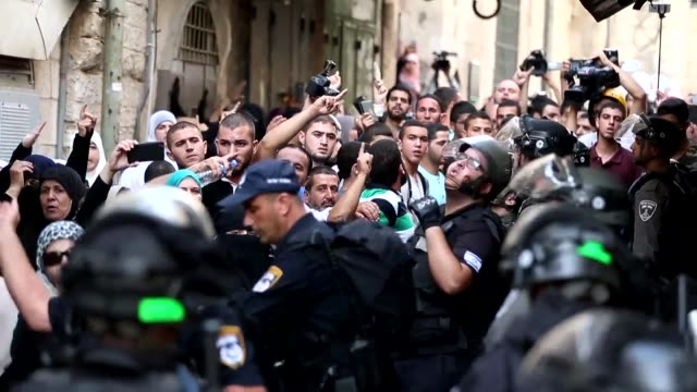 muslims clashed with israeli police at jerusalems flashpoint al aqsa mosque compound sunday hours before the start of the jewish new year the latest... - rosh hashanah stock videos & royalty-free footage