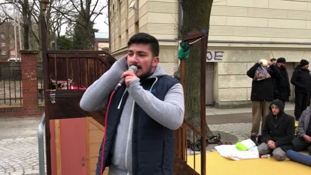 muslims offered their friday prayers out in the open on a street in berlin's reinickendorf district after their mosque was heavily damaged during an... - islam stock-videos und b-roll-filmmaterial