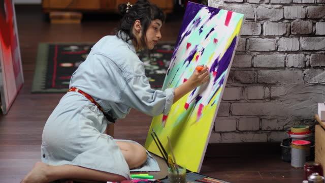 stockvideo's en b-roll-footage met mijn hobby is schilderen - canvas