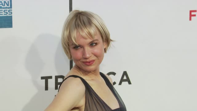 'my own love song' premiere 9th annual tribeca film fest new york ny united states - バーナデット ピータース点の映像素材/bロール