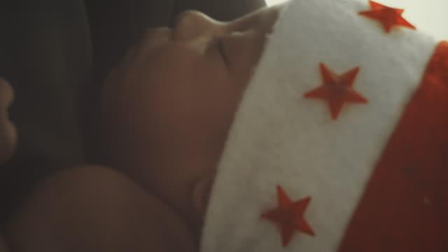 vídeos de stock e filmes b-roll de my santa - lençol roupa de cama