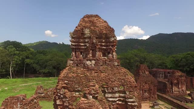 vídeos y material grabado en eventos de stock de mi hijo santuario (el sitio histórico del antiguo reino de champa), provincia de quang nam, vietnam - son