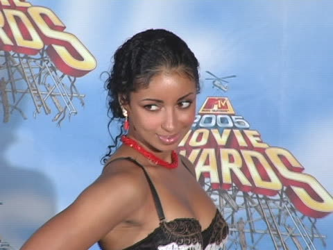 vidéos et rushes de mya at the 2005 mtv movie awards press room at shrine auditorium in los angeles, california. - shrine auditorium