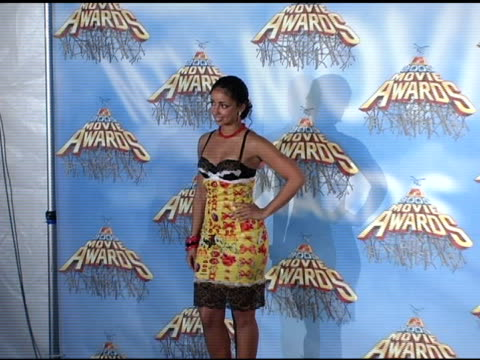 mya at the 2005 mtv movie awards press room at the shrine auditorium in los angeles, california on june 5, 2005. - 歌手 マイア点の映像素材/bロール