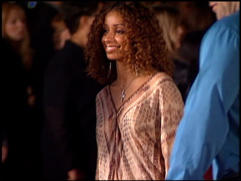 mya at the '8 mile' premiere on november 6, 2002. - 歌手 マイア点の映像素材/bロール